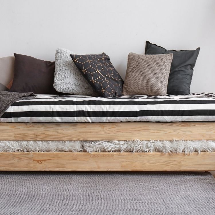 Daybed ideas for small spaces