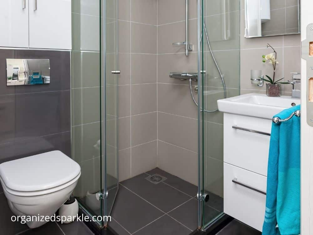 walk in showers for tiny bathrooms