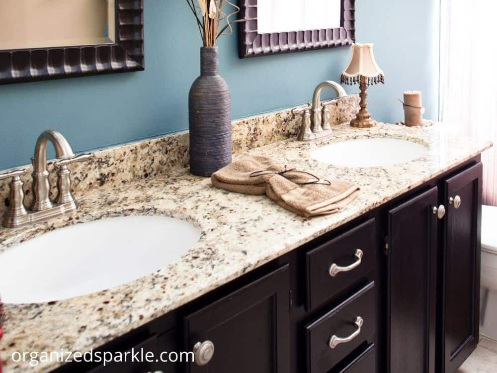 images of bathrooms with granite countertops